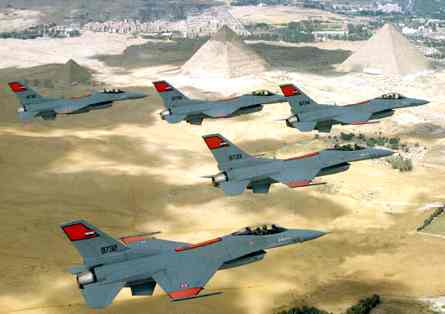 Egypt_f16_fighter_planes_over_pyramids.jpg